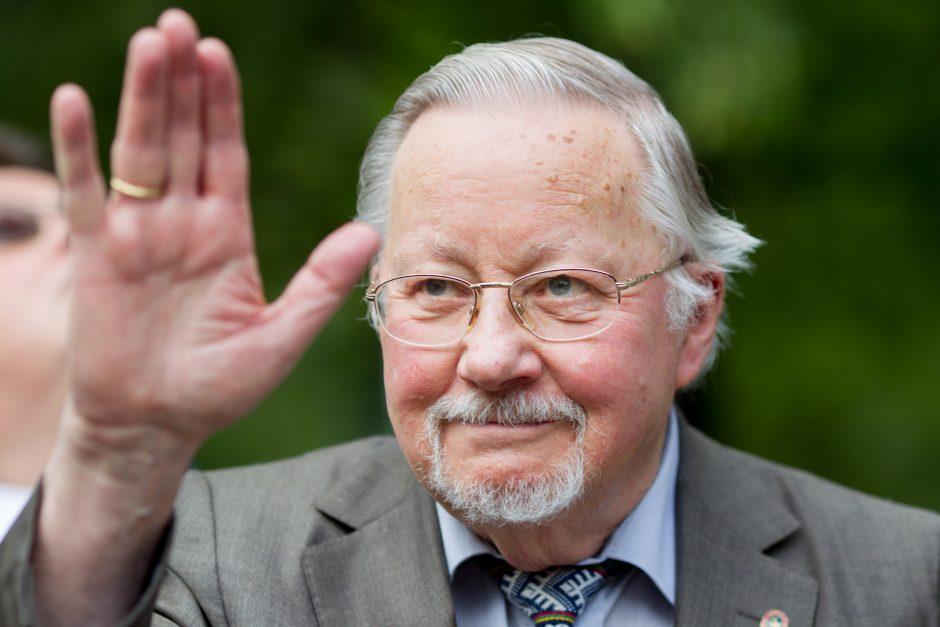 Seime vėl nuskambėjo klausimas dėl V. Landsbergio pripažinimo prezidentu