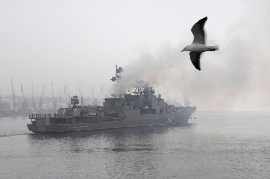 Rusijos laivai per mokymus Baltijos jūroje paleis raketų