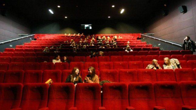 Sostinėje be elektros liko kino teatras ir dar 800 vartotojų