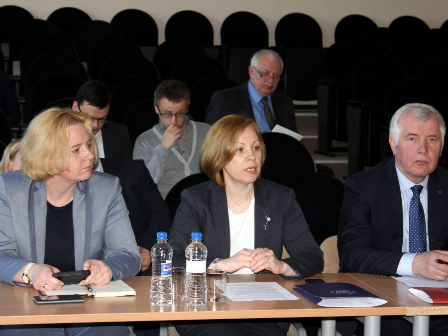 Seimas ėmėsi profesinio mokymo pertvarkos