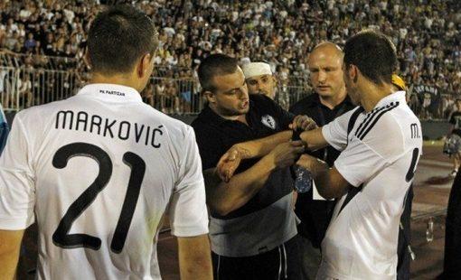 """Po gėdingo pralaimėjimo """"Partizan"""" ultrų lyderis atėmė kapitono raištį"""