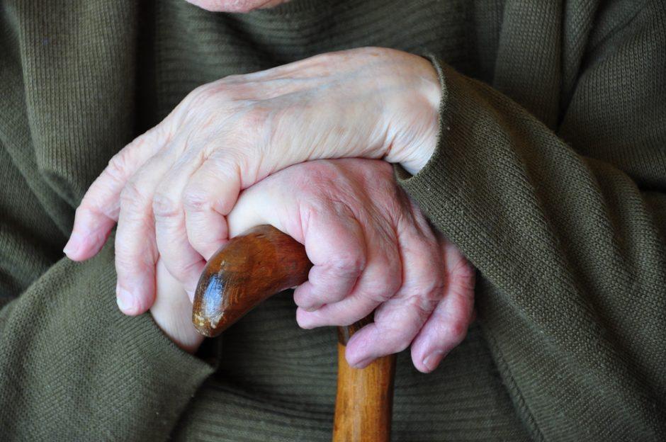 Mirusių pensininkų paveldėtojai kompensacijų negaus