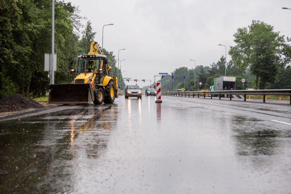 Kelią į Kauno oro uostą sutvarkys laiku?