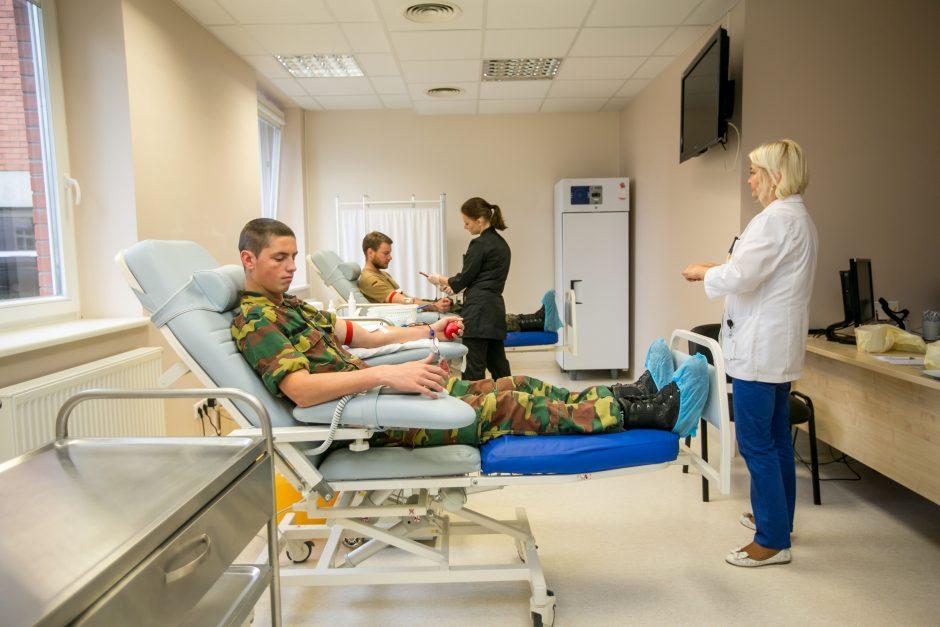 NATO kariai Kaune tapo kraujo donorais