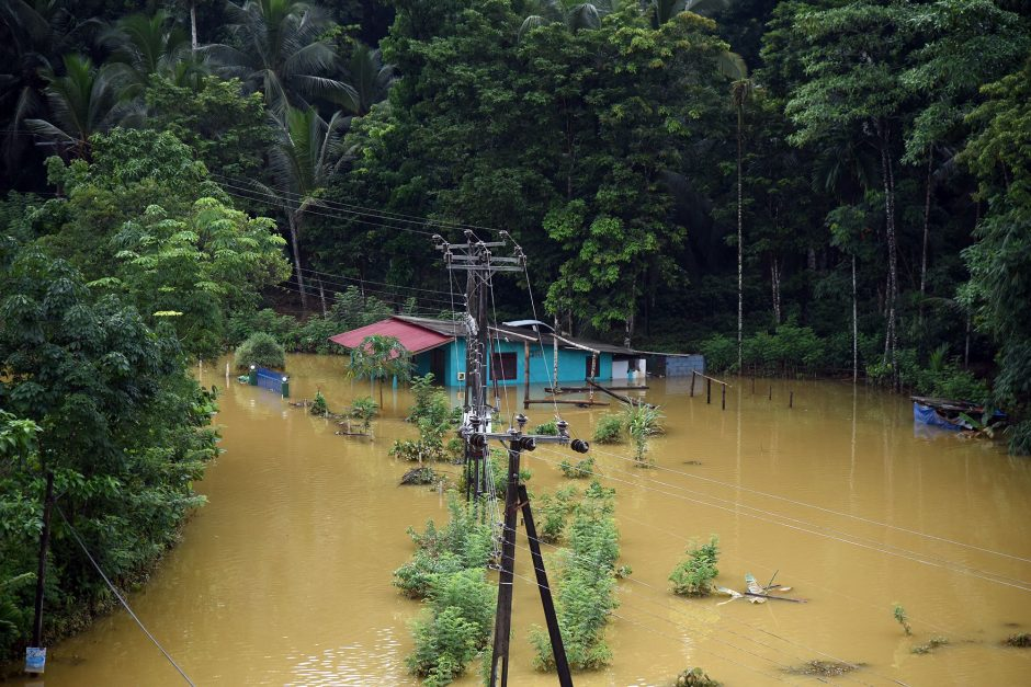 Potvynių Šri Lankoje aukų skaičius viršijo 200