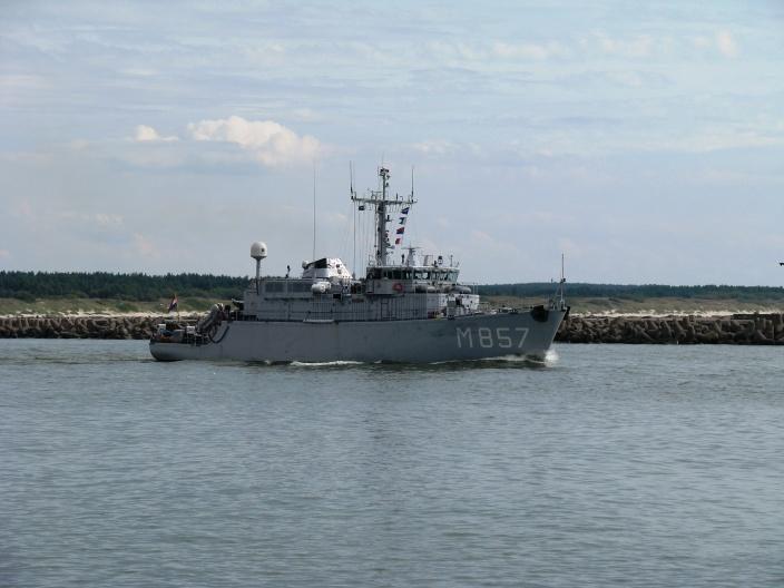 """Išminavimo jūroje operacija: """"Makkum"""" ir """"Thetis"""" pargabeno po laimikį"""