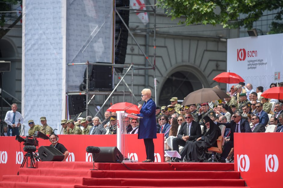 Prezidentė dalyvauja Sakartvelo šimtmečio renginiuose