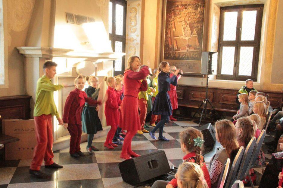 Onkologinėmis ligomis sergantiems vaikams dovanojo koncertą