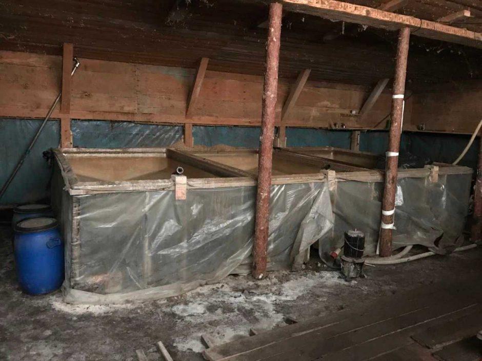 Sulaikytas vyras, įtariamas nelegalia naminės degtinės gamyba