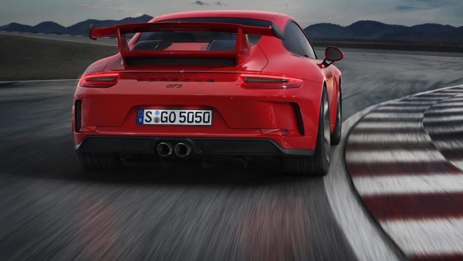 """""""Porsche 911 GT3"""" – lenktyninis automobilis, pritaikytas įprastiems keliams"""