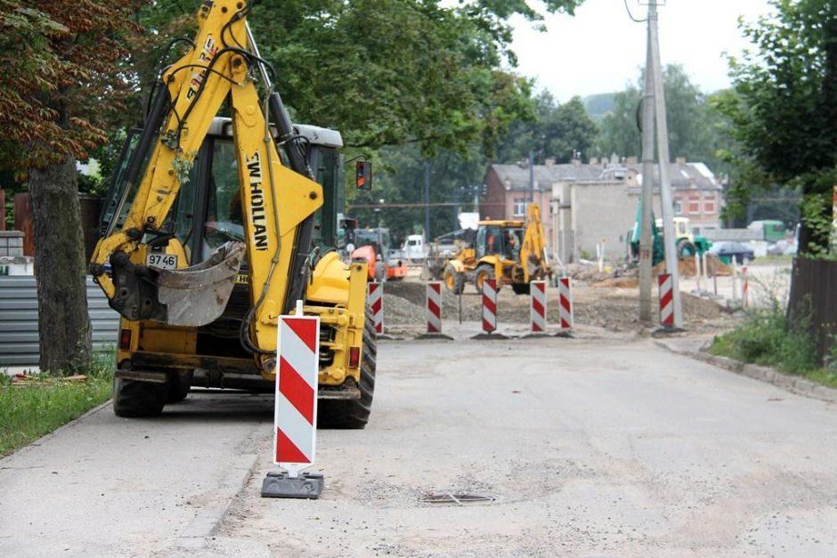 Į ligoninę vedanti Skuodo gatvė sulaukė remonto