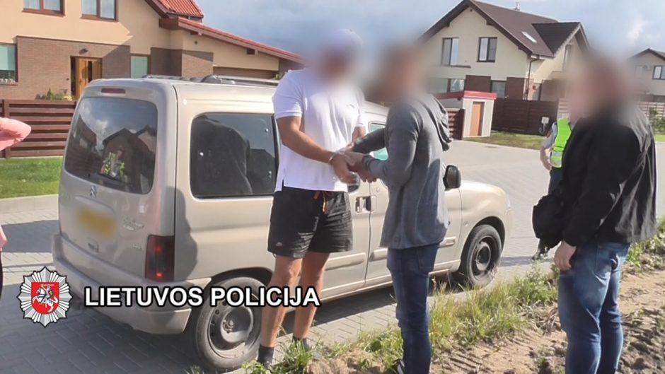 Kriminalistai išaiškino turtą prievartavusius asmenis