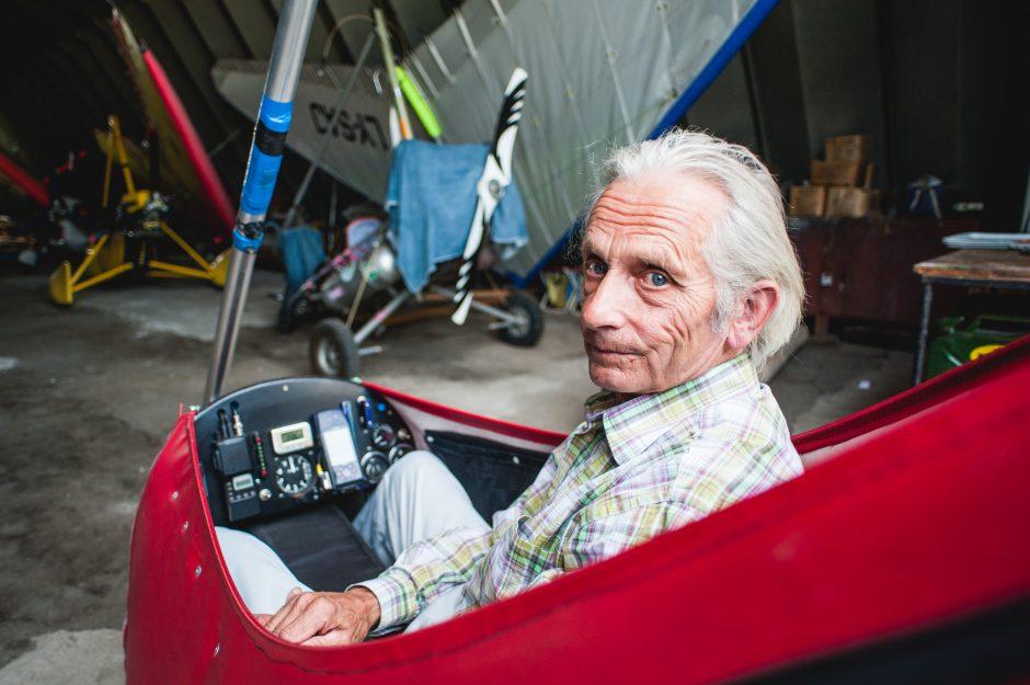 Vyriausias Lietuvos skraidytojas vairuoti nemoka