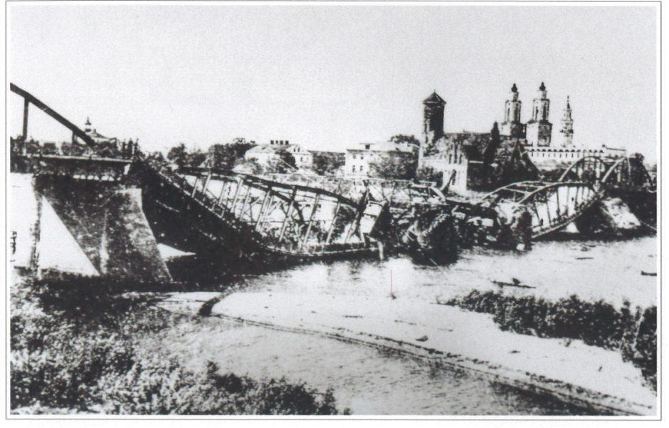 Kas buvo bebaimis šaulys, Kaune apšaudęs sovietų karius?