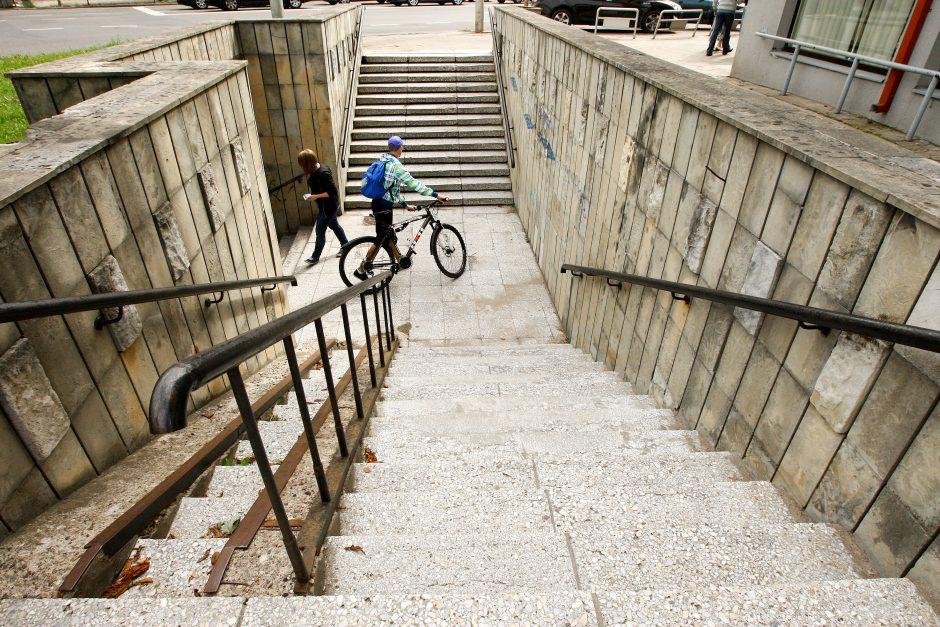 Dėl lėšų stokos miesto laiptai sulaukia tik avarinio remonto