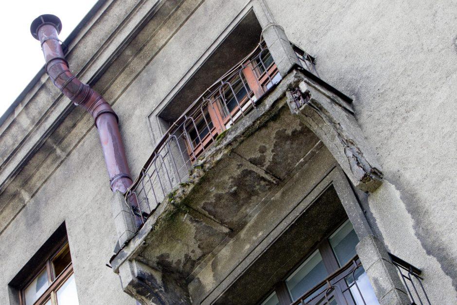 Bėdos bendrijoje – nesuvienija ir kiauras stogas