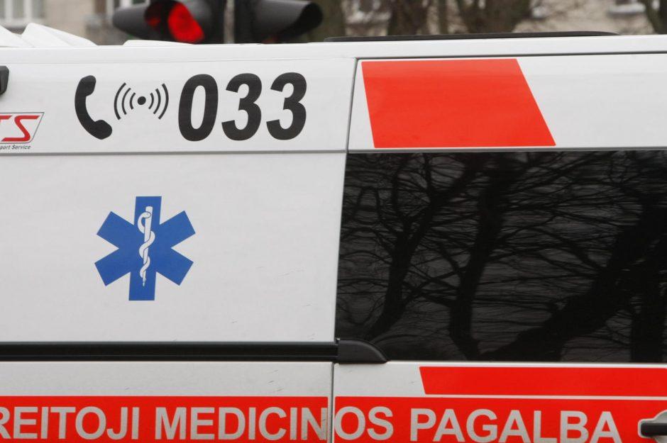 Per avariją sostinėje nukentėjo motociklininkas ir automobilio keleivė
