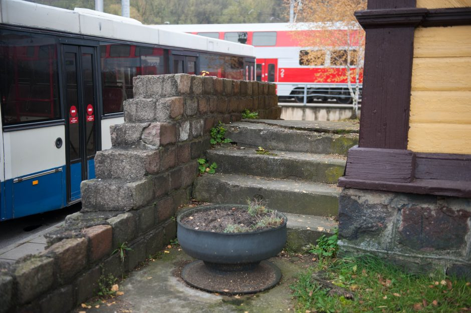 Geležinkelio stoties vaiduokliai neįveikiami?