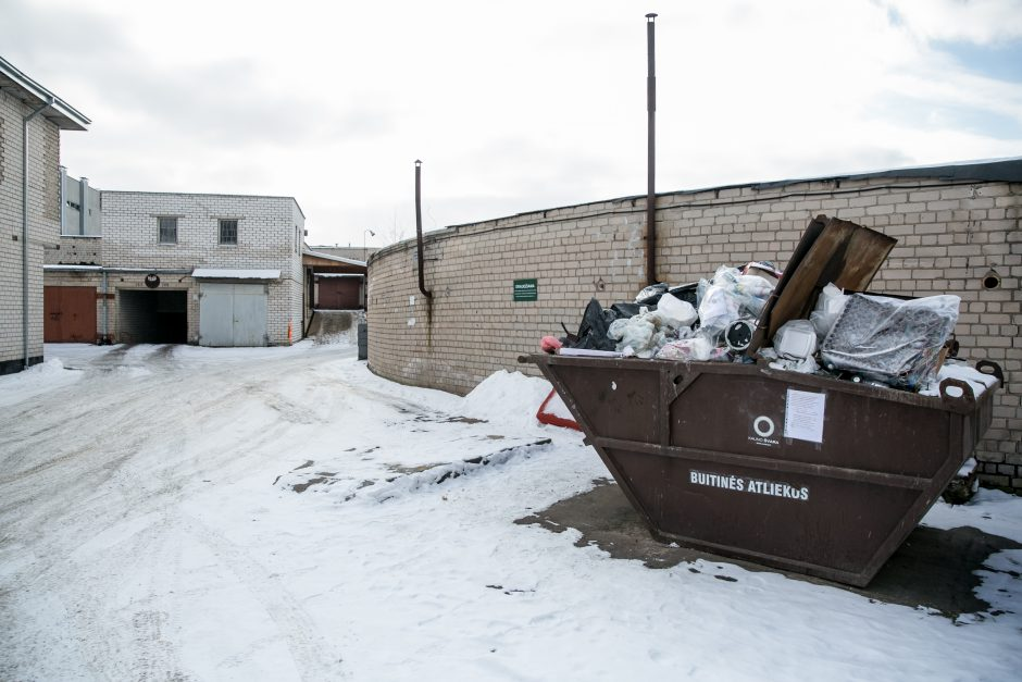 Konfliktas garažų bendrijoje: kaip leidžiami žmonių sumokėti pinigai?