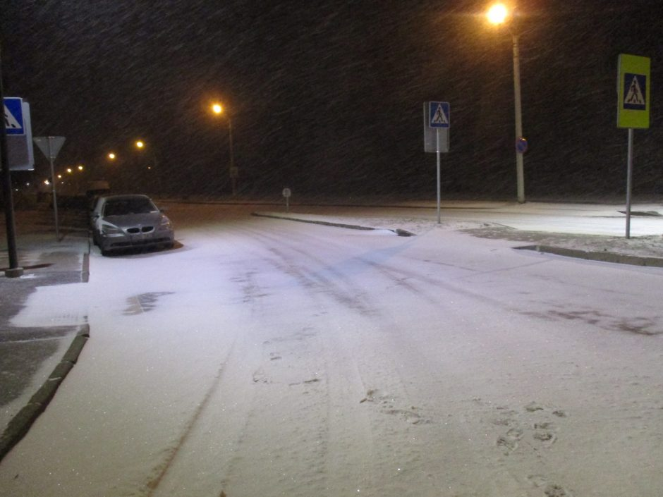 Kauno gatves nuklojo sniegas