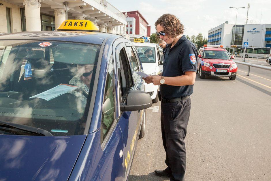Per 2 savaites sostinės taksi vairuotojai