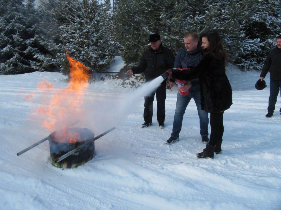 Savanorių gretos pildosi: ugniagesiams talkins ir seniūnai