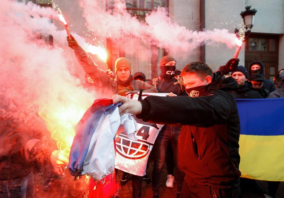 Nacionalistai Kijeve šturmavo rusų kultūros centrą