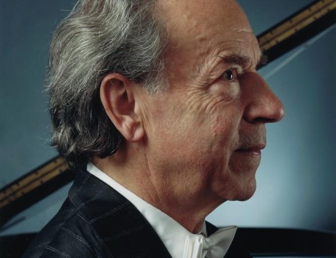 Pasaulinė fortepijono legenda skambins vieninteliame koncerte Klaipėdoje