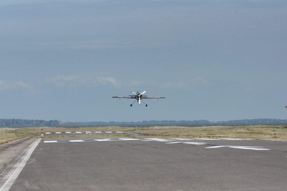 Lėktuvų takas Nidoje lieka uždarytas
