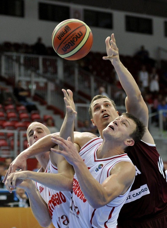 Latviai tapo vienvaldžiais B grupės lyderiais