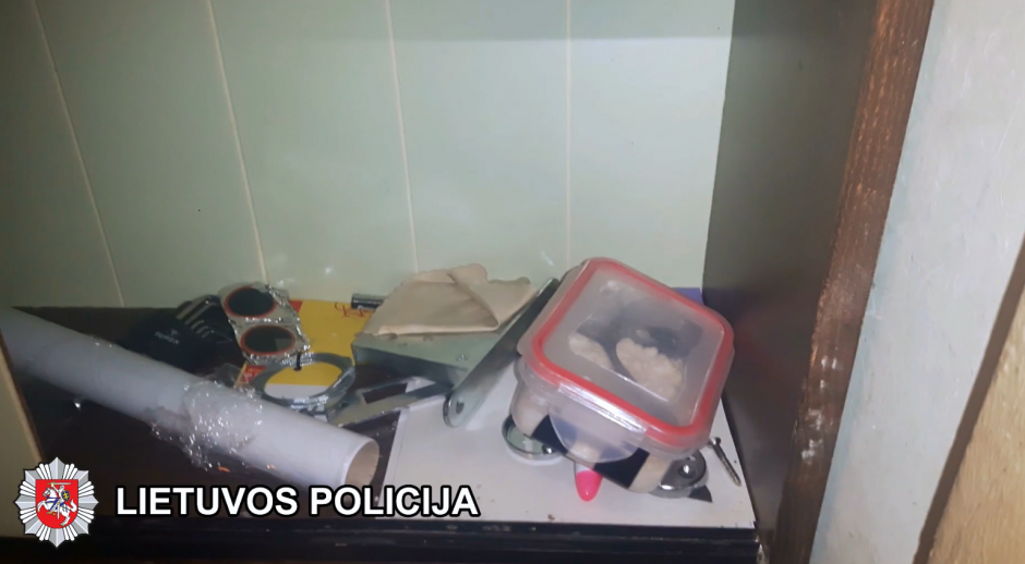Vilniečio sandėliuke policija rado 1,4 kg amfetamino