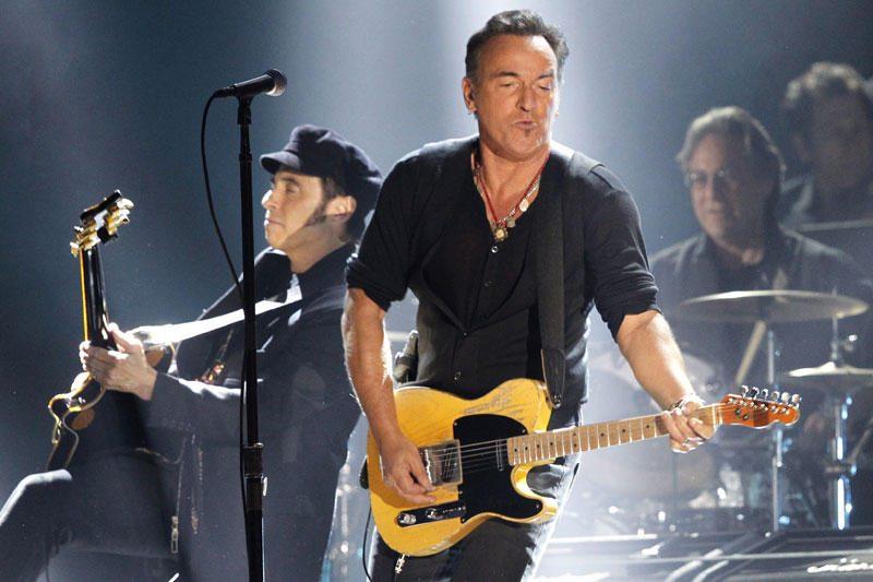 Bruce'as Springsteenas įsitraukė į dingusio studento paieškas (foto)