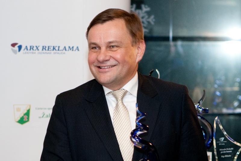 Seimo pirmininko sekretoriato vadovų atlyginimai - neskelbiami