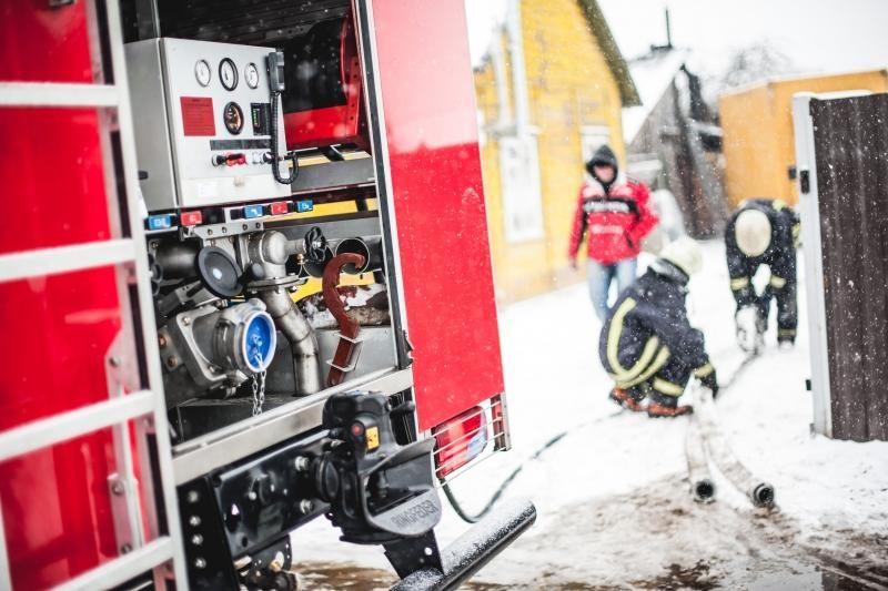 Pasitarime Vilniuje ugniagesiai aiškinsis tragiškų gaisrų priežastis
