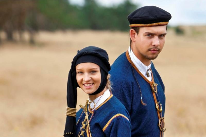 Kalendoriuje atkurti  I–XVI a. kuršių kostiumai