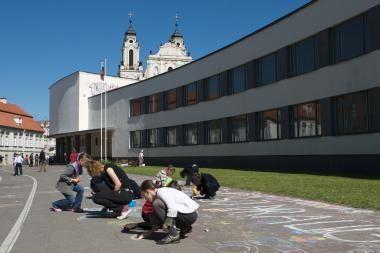 Renovuos sostinės mokyklas ir gydymo įstaigas