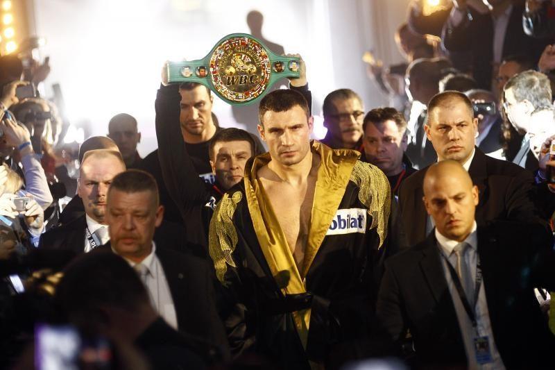 Vitalijus Kličko devintą kartą apgynė pasaulio čempiono titulą