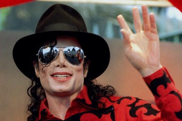 Programišiai įtariami pavogę Michaelo Jacksono muzikinius failus