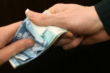 Seimas vėl pasipriešino dažnesniam pinigų pervedimui į pensijų fondus