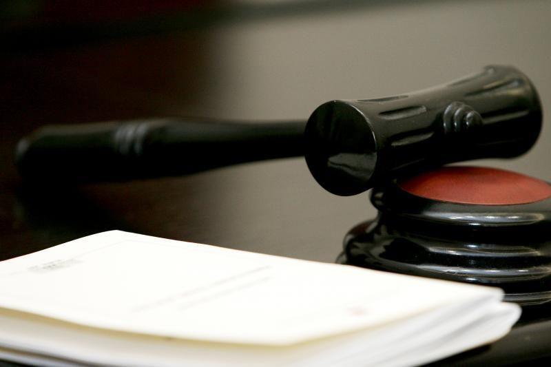 Smurtu šeimoje įtariamas Šiaulių prokuroras suimtas savaitei