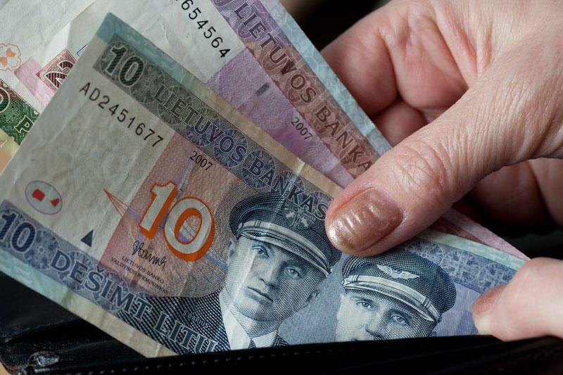 Sukčiautoja pensininkes paliko be santaupų – 4 tūkst. litų