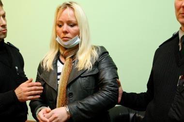 Skandalingoji dainininkė Erika po apsilankymo policijoje tapo nėščia? (papildyta)