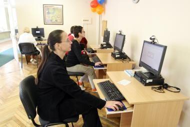 Ieškantiems darbo gyventojams į pagalbą skuba bibliotekos