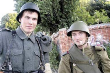 Išteisintas vokišką uniformą dėvėjęs vaikinas