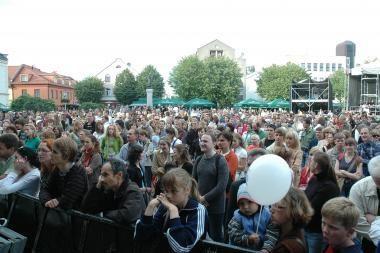 Festivalių organizatoriams – nerimas dėl Teatro aikštės