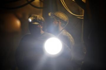 Lenkijos anglies kasykloje žuvo angliakasys