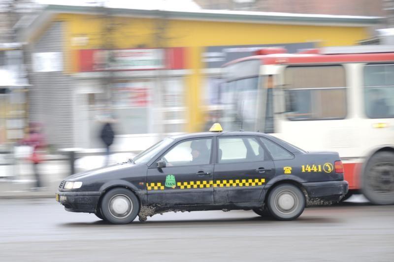 Siūloma taksi įpareigoti išduoti čekius