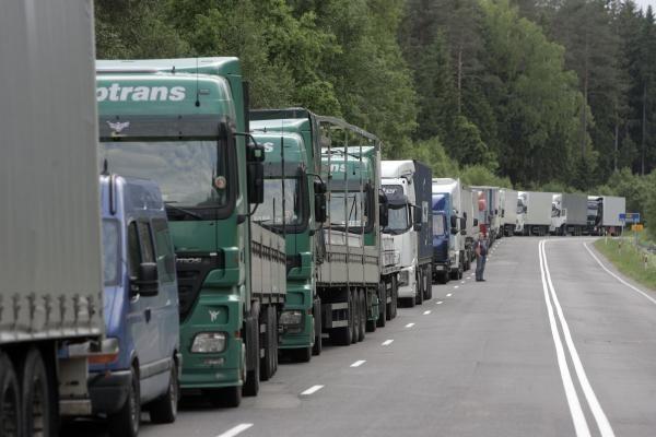 Pirmadienį trumpai bus uždarytas eismas per Panemunės-Sovetsko punktą