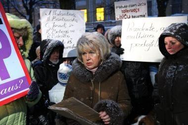Dėl protesto akcijų policija apklausė D.Kedžio tetą