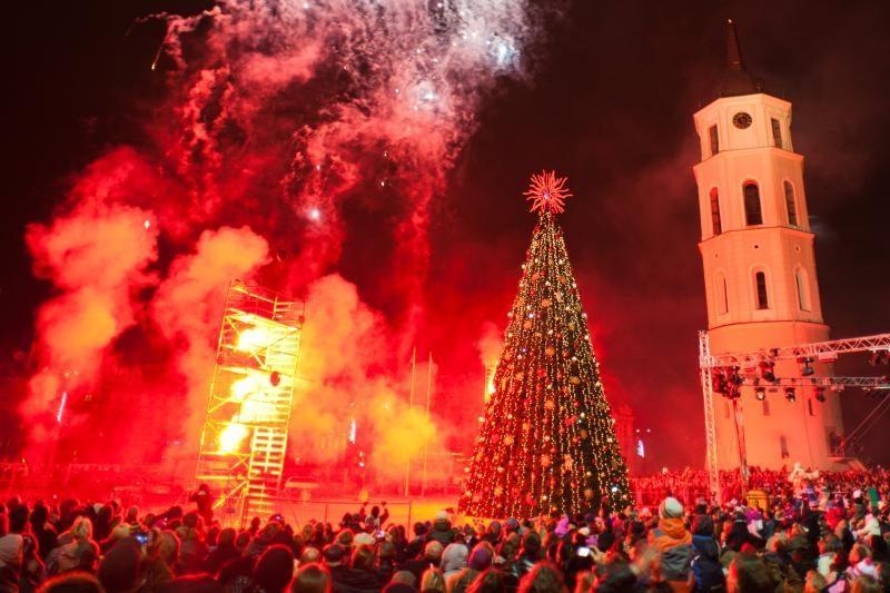 Kalėdų laukimas didmiesčiuose: nuo traukinukų iki nykštukų miestelio